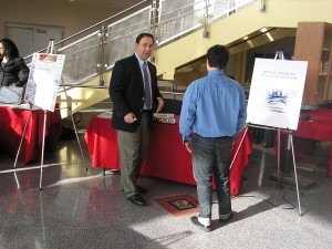 Marlin Steel President Drew Greenblatt discusses projects with students
